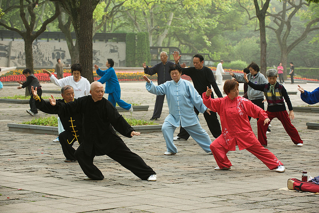 Groupe-chinois-en-tenues